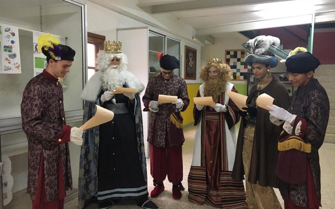 Visita de los delegados reales de SS.MM. los Reyes de Bachillerato a Escuelas Pías