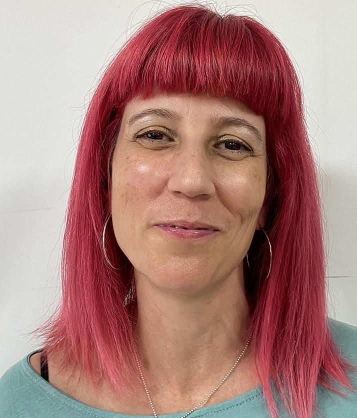 Dña. Carolina Vidal